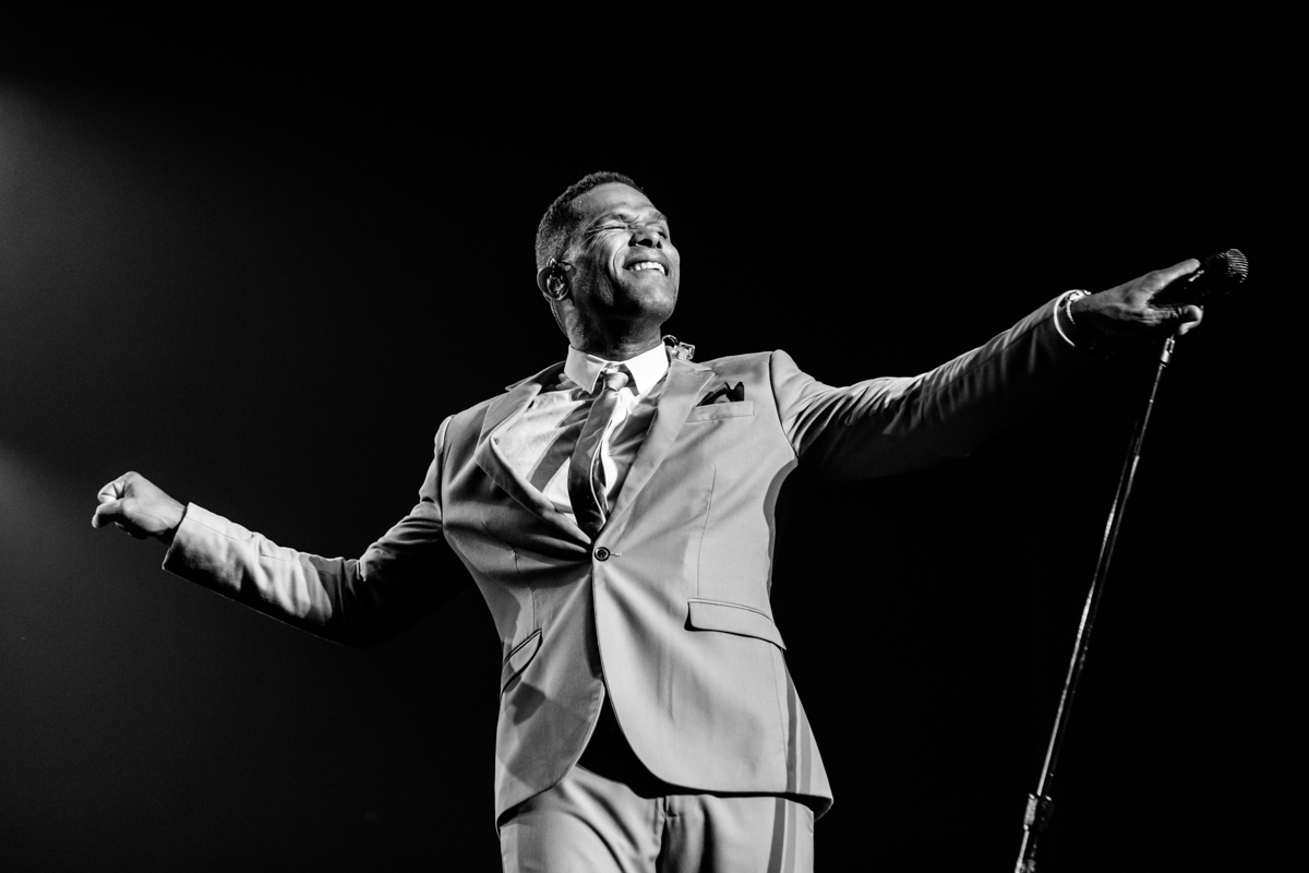 2016, Maxwell at the Olympia de Montréal